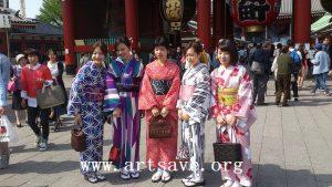 Kesenian Berpakaian Kimono Asal Jepang